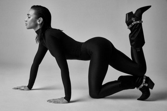 Ольга Бузова предстала в необычном образе на обложке знаменитого глянца - Фото №8