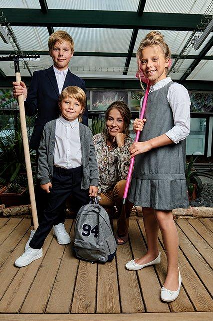 Звёзды и их дети в лукбуке школьной формы от H&M - Фото №9