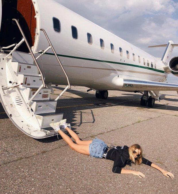 «Падающие звёзды»: новый флешмоб, увлекший отечественный шоу-бизнес - Фото №2