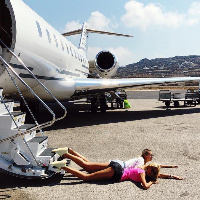 «Падающие звёзды»: новый флешмоб, увлекший отечественный шоу-бизнес - Фото №6