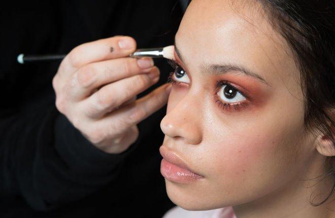 Самые полезные лайфхаки для макияжа глаз