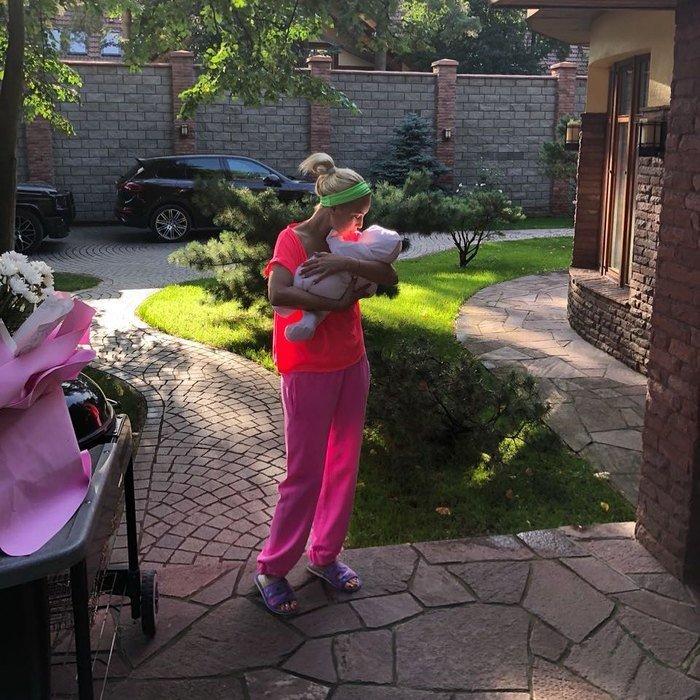 Лера Кудрявцева разругалась с подписчиками из-за снимка с дочерью
