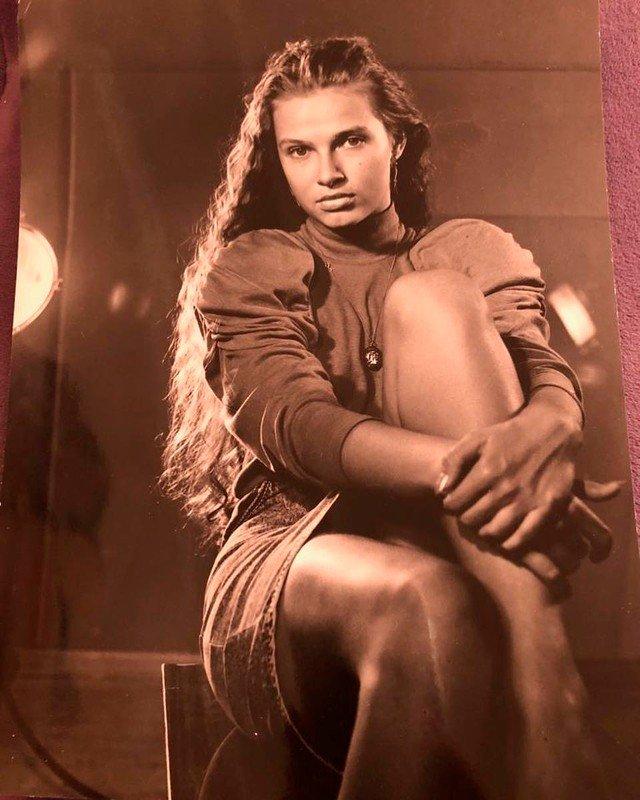 Эвелина Бледанс показала, как выглядела в молодости