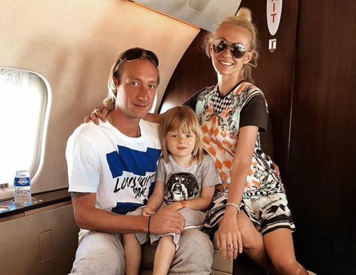 Сына Яны Рудковской включили в рейтинг самых красивых детей в мире