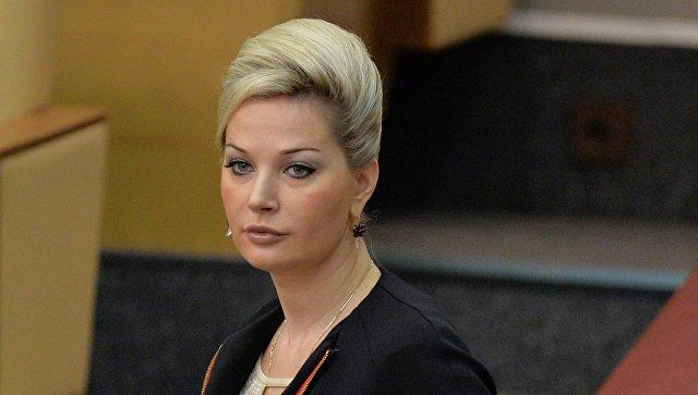 Элина Мазур подозревает Марию Максакову и ее молодого мужа в мошенничестве
