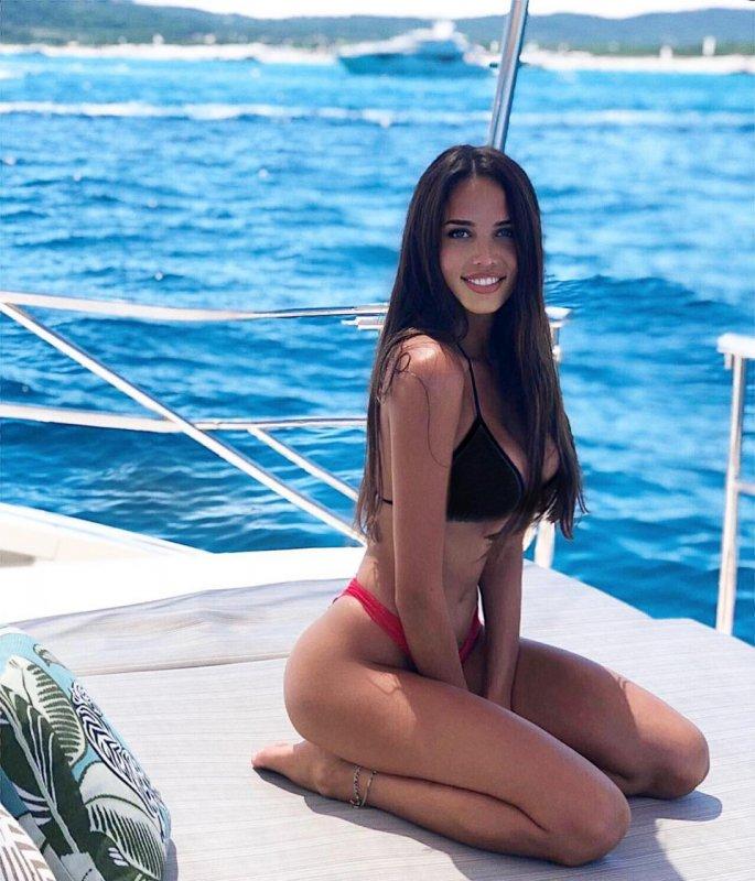 Анастасия Решетова призналась в желании стать многодетной матерью
