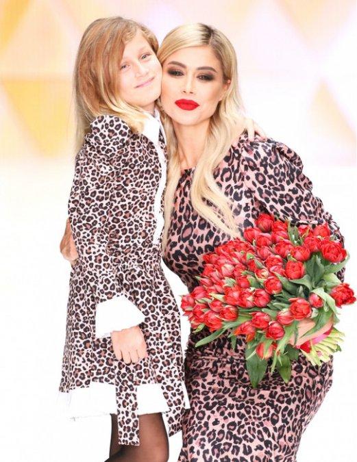 Белла Потёмкина собрала знаменитых подруг на модном показе - Фото №8