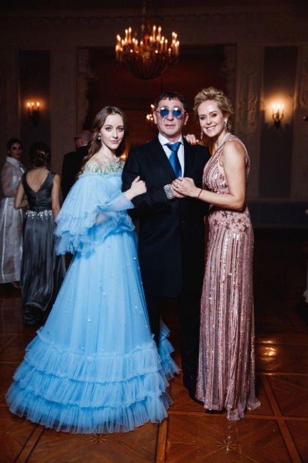Знаменитые наследницы на балу дебютанток Tatler - Фото №3