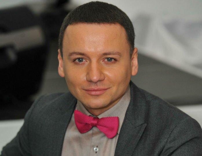 Александр Олешко закрутил роман с художницей