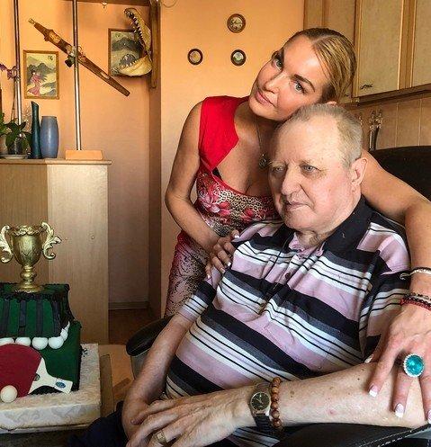 Мачеха Анастасии Волочковой поднимала руку на беспомощного мужа