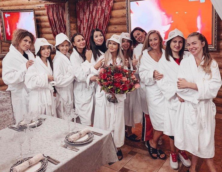 Мария Погребняк отпраздновала день рождения в бане