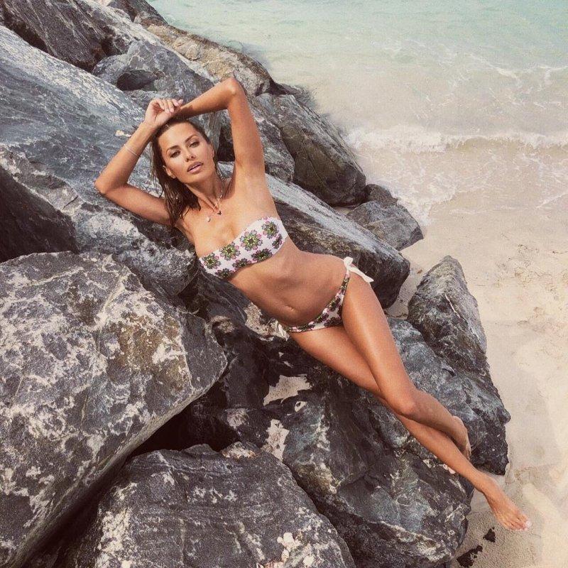 Виктория Боня поделилась фото в бикини в честь 39-летия