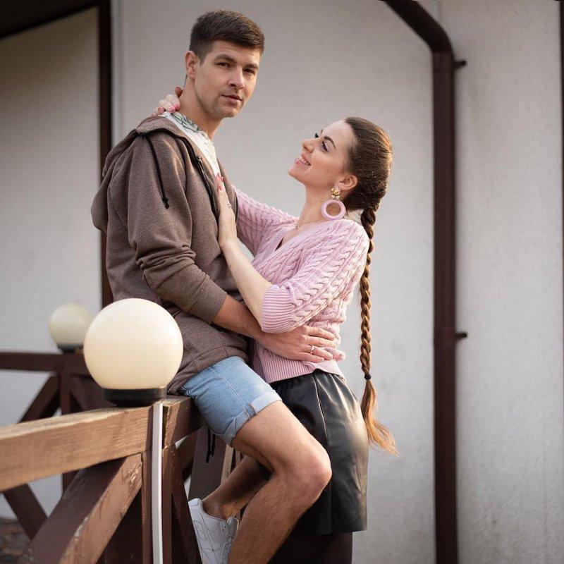 Фанаты высмеяли Диму Дмитренко за подарок супруге